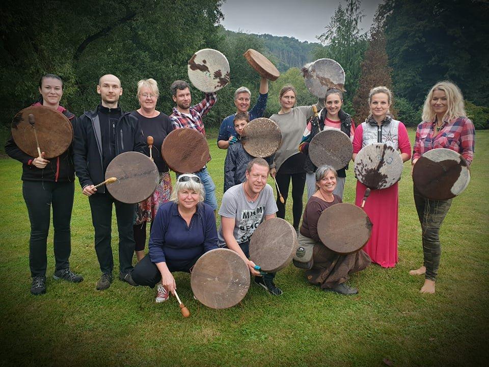 Výroba šamanského bubnu