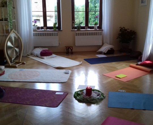meditárna - ženské kruhy, jóga ...