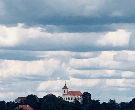 Sadská - kostel sv. Apolináře