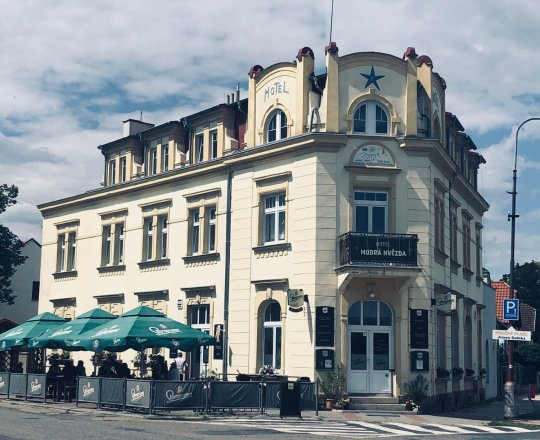 Hotel Modrá hvězda v Sadské